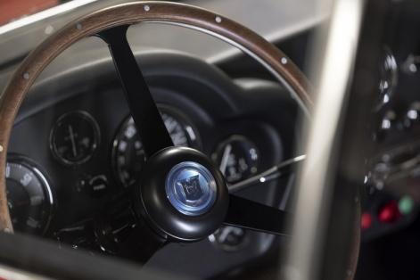 Aston-Martin-DB4-GT-Zagato-Continuation-(7)