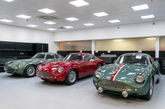 Handovers-begin-of-Aston-Martin-DB4-GT-Zagato-Continuation-models---photo-Max-Earey--(6)